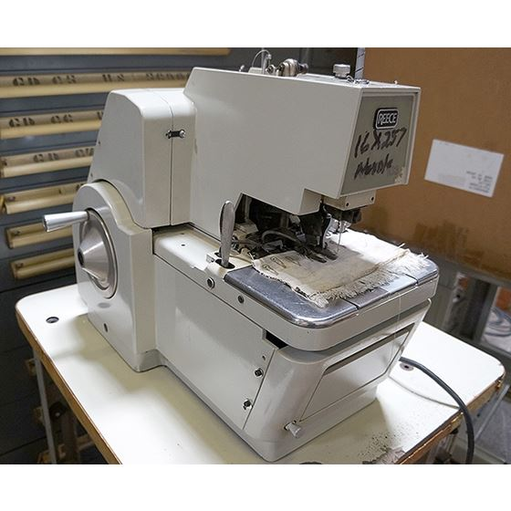 103 Key Hole Button Hole Sewing Machine