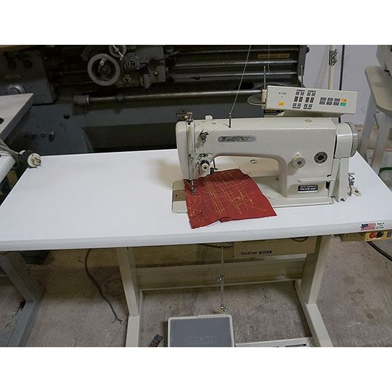 Automatic Needle Feed Sewing Machine 3